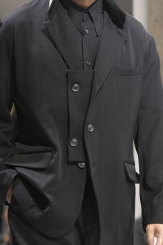 Best men's jackets are a very important part of each and every man's set of clothing. Men require jackets for a number of circumstances as well as some weather conditions. Men's Jacket Wear. Dark Fashion, Autumn Fashion, Mens Fashion, Revival Clothing, La Mode Masculine, Fashion Details, Fashion Design, Tailored Jacket, Yohji Yamamoto
