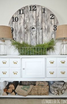 Simple winter entryway & DIY rustic wood pallet clock - lizmarieblog.com