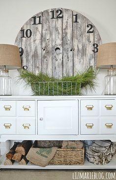 Simple winter entryway & DIY rustic wood pallet clock - lizmarieblog.com