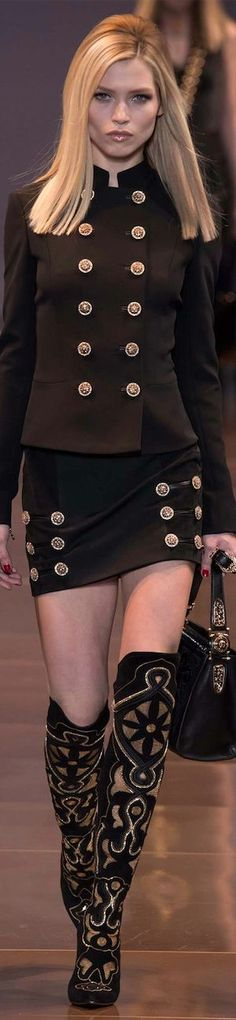 # VERSACE. Gorgeous outfit , but I want that hair!