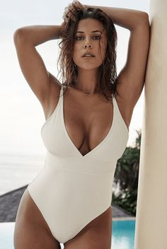 best one piece for large busts Large Bust Swimsuit, Fun One Piece Swimsuit, Swimsuit Tops, A Bikini A Day, Natasha Oakley, Swimsuits For All, Girl With Curves, Swimwear, Bikinis