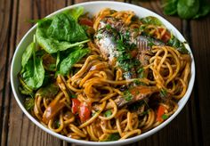 TOMATO PILCHARD PASTA WITH SPINACH - If you still have plenty of canned pilchards left from your bulk buy, then add them to pasta for a delicious meal that will feed many hungry tummies. Easy Pasta Recipes, Chicken Recipes, South African Recipes, Ethnic Recipes, Dinner Bowls, Spinach Pasta, Tasty, Yummy Food, Meal Planning