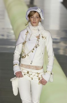Chanel Fall 2003 Runway Pictures - StyleBistro