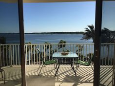 Appartement in Saint Petersburg, Verenigde Staten. My place is close to Bay Pines VA Hospital, Madeira Beach, Tyrone Mall, Pinellas Trail, Bay Pines Park for biking and running, and restaurants. Wave Runner and boat rental are available nearby.  There is a storage area for kayaks, paddle boards an...