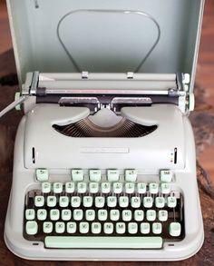 Gadgets, Vintage Typewriters, Ol Days, Retro Vintage, Vintage Office, The Good Old Days, Back In The Day, Vintage Industrial, Childhood Memories