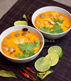 Thajská polévka Tom Kha Gai recept Asian Recipes, Ethnic Recipes, Yummy Food, Tasty, International Recipes, Thai Red Curry, Food To Make, Food And Drink, Cooking Recipes
