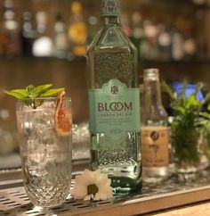Let's the summer begin with at Bloom Gin, Cocktail Drinks, Cocktails, London Dry Gin, Gin Lovers, Gin And Tonic, Vodka Bottle, Summer, Craft Cocktails