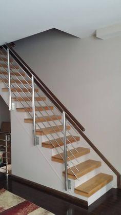 Modern Stair Railing, Stair Railing Design, Metal Stairs, Staircase Railings, Staircase Ideas, Banisters, Railing Ideas, Painted Stairs, Balcony Railing