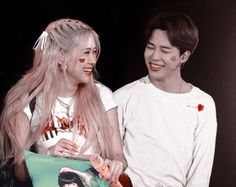 Find images and videos about bts, jimin and rose on We Heart It - the app to get lost in what you love. Foto Jimin, Jimin Jungkook, Kpop Couples, Cute Couples, K Pop, Couple Goals Cuddling, Rose Video, Korean Couple, Blackpink And Bts