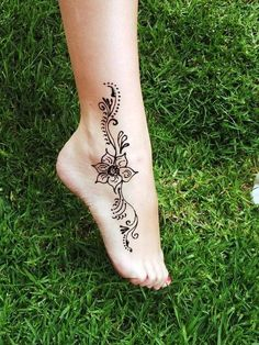 Cute summer Henna Tattoo