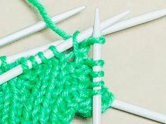 Peukalokiilan neulominen Crochet Necklace