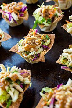 Thai Chicken Salad Wonton Cups with Peanut Sauce Dressing| http://thecozyapron.com