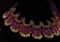 Simply stunning beadwork collar necklace - be forewarned it is NOT step-by-step instructions.  However it does have some explanations of key components - so for experienced beaders this might be enough to make it  #heartbeadwork