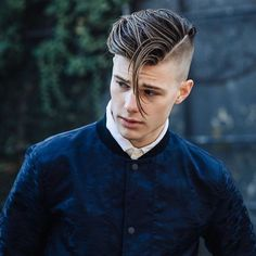 "7,524 Me gusta, 42 comentarios - Men's hairstyles inspiration (@4hairpleasure) en Instagram: ""Loving the length, @kylelieberman . Get 15% off any @hanzdefuko wax using code ""K15"" on…"""