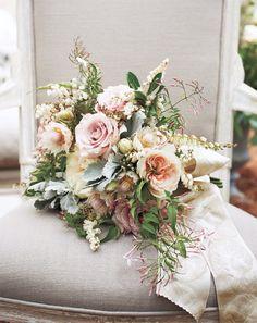 Aguardava ansiosamente pelas fotos do casamento de Blake Lively e Ryan Reynolds (não é mesmo, Fashionismo?)! Depois do maravilhoso duo deanel de noivado +