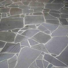 Paving Patio Designs For A Stunning Residence – Outdoor Patio Decor Bluestone Paving, Paving Stones, Flagstone, Shabby Chic Patio, Rustic Patio, Patio Design, Garden Design, Small Covered Patio, Outdoor Paving