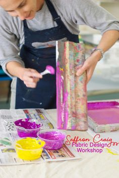 Workshops - Screen printing, fabric design, sewing and quilting Textile Design, Fabric Design, It's A Wonderful Day, Freezer Paper, Fabric Painting, Color Mixing, Screen Printing, Print Patterns, Workshop
