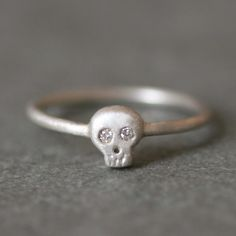 diamond  + skull ring