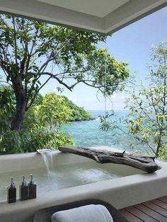 прозрачная стена, окно, вид на море, деревья, ванная, комната, ванна, интерьер, декор, идеи для дома, райский уголок