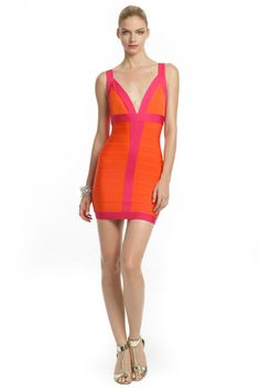 Make a bright, colorful, bold statement in this Citrus Flamingo Dress by Herve Leger. Vegas Dresses, Rent Dresses, Old Dresses, Casual Dresses, Flamingo Dress, Herve Leger Dress, Mean Girls, Ladies Party, Beautiful Outfits
