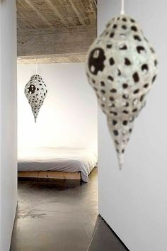 Paper Mache Clay, Paper Mache Sculpture, Sculpture Art, Diy Paper, Paper Crafts, Paper Moon, Paper Artwork, Paperclay, Pulp Art