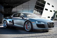 Wow this is a beautiful car. Audi R8 Exclusive Selection Edition