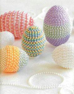 ...huevos decorados..