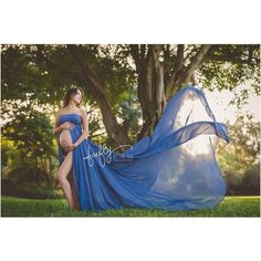 Maternity Strapless Chiffon Gown Split Front Maxi Photography Dress for Photo Shoot On The Beach Maternity Beach Dresses, Outdoor Maternity Photos, Maternity Photography Outdoors, Maternity Photo Props, Fall Maternity, Maternity Poses, Maternity Portraits, Maternity Pictures, Pregnancy Photos