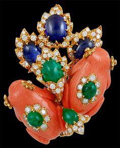 DAVID WEBB BROOCHES | DAVID WEBB 2 Coral Frogs, Cabochon Emerald,Sapphire & Diamond Brooch ...