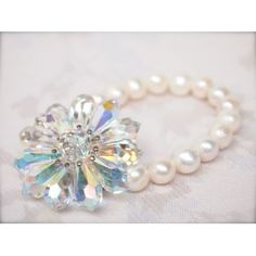Crystal and pearl flower bracelet