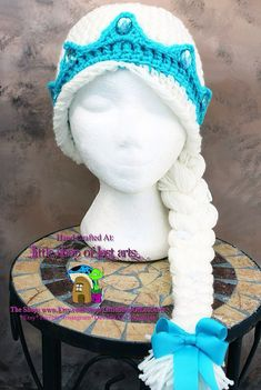 Hello there! Up for grabs we have a Queen Elsa inspired personal design from the Frozen movie. (Anna can be found here: https://www.etsy.com/listing/184905745/anna-from-frozen-inspired-crochet) (Olaf can be found here: