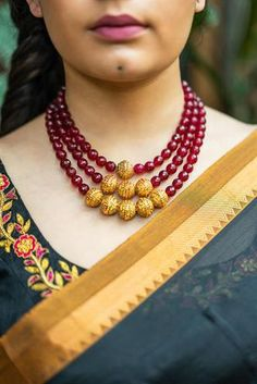 Buy readymade blouse online shopping india has got variety of blouse designs, designer blouses, ready to wear saree blouses. Jewelry Design Earrings, Gold Jewellery Design, Bead Jewellery, Necklace Designs, Diamond Jewelry, Diamond Necklaces, Beaded Jewelry Designs, India Jewelry, Clay Jewelry