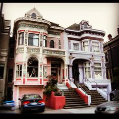 Love the details, wish the photo of this San Francisco Victorian was clearer. Victorian Buildings, Victorian Houses, Boston Architecture, Architecture Design, Cambridge House, Creepy Houses, Victorian Style Homes, Dark House, House Inside