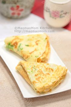 【Chinese scallion crepe】  by MaomaoMom This Chinese scallion crepe is very delicious, ideal for breakfast on the weekend.  Meal type: appetizer, breakfast Prepare time: 10 minutes Cook time: