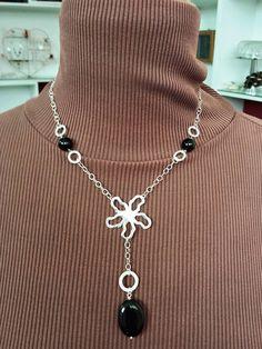 collana argento 925 con centrale fiore medio stilizzato e onice nero Flowers collection