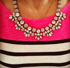 Statement necklace to spruce up your outfit