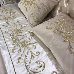 En çok beğenilen yatak örtülerimizden ☎️☎️Fiyat sipariş ve tüm sorularını için lütfen magaza📞212 573 93 92 📞ve WhatsApp 📲0506 100 94 84 English contact 0090 533 644 31 61#çeyiz#evtextili#dekorasyon#masaörtüsü#yatakörtüsü#antepişi#telkırma#iğneoyası#düğün#nişan#bohça#sandık#bebek#doğum#wedding#embroidery#handmade#beding#tablecloth#lace#turkey#istanbul#bosphrous#luxury#weddinggift#handcraft#homedecor#handmade