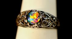 Filigree Opal Engagement ring. Available with 6mm von AmyKJewels