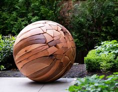 large scale modernist sculpture of wood land , public art installation Shattered Sphere, reclaimed wood, by Brent Comber Sculptures Céramiques, Art Sculpture, Garden Sculpture, Diy Garden, Garden Art, Wooden Garden, Metal Art, Wood Art, Garden Globes