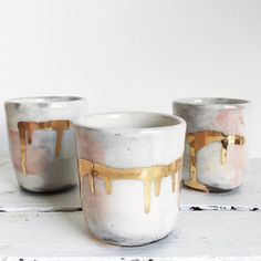 We are so in love with this gold melted tumblers. The perfect size for holding the most important rings. On sale today! Link in bio