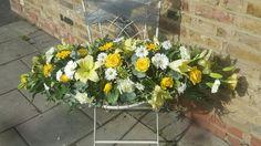 Yellow coffin spray #funeralflowers #coffinspray #bellasphotos #bellasblooms #funeralflowers #funeraltribute #funeral #flowers #tributes www.bellasblooms.co.uk