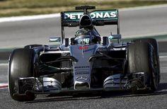 Grosjean confirma en los test de F1 de Barcelona la fiabilidad del Lotus E23 +http://brml.co/1BCnQqz
