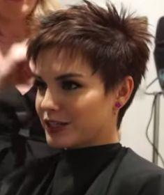 Short Choppy Hair, Short Hairstyles For Thick Hair, Haircut For Thick Hair, Short Hair With Layers, Short Hair Styles, Choppy Pixie Cut, Short Stacked Hair, Messy Pixie Haircut, Edgy Pixie Cuts