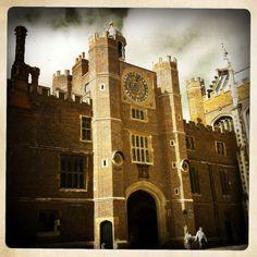 Hampton Court Palace - London