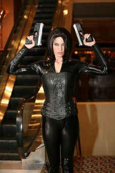 Selene (Underworld)  I want a reason to do a costume like this!!!