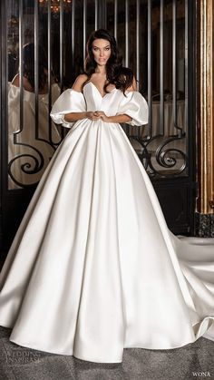 Wedding Dresses Romantic Skirts 30 Simple Wedding Dresses For Elegant Brides simple wedding dresses ball gown with puff sleeves sweetheart strapless neckline wona Princess Wedding Dresses, Colored Wedding Dresses, Modest Wedding Dresses, Wedding Dress Styles, Bridal Dresses, Elegant Bride, Elegant Wedding Dress, Ball Dresses, Ball Gowns