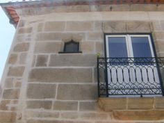 caminha Portuguese, Windows, Window