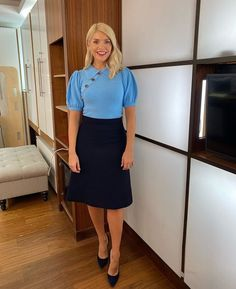 """Love Holly Willoughby on Twitter: """"Morning Thursday! 💙🖤 @hollywills @thismorning… """""""