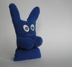 poppetje gemaakt van een gevonden handschoen