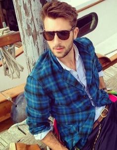 Do you want to stay updated with the new trends of #men #hairstyles?. We have collected some new men hairstyles for you guys from ramps of famous fashion weeks of the world to get you the right info about the men hairstyles this year. We are telling you here what designers and hairstylists are planning for 2014. http://www.style-den.com/men-hairstyle-trends-2014/  #menhairstyles2014